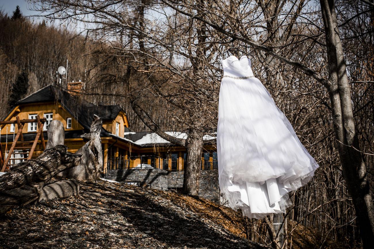 Svatební šaty- svatba v zimě