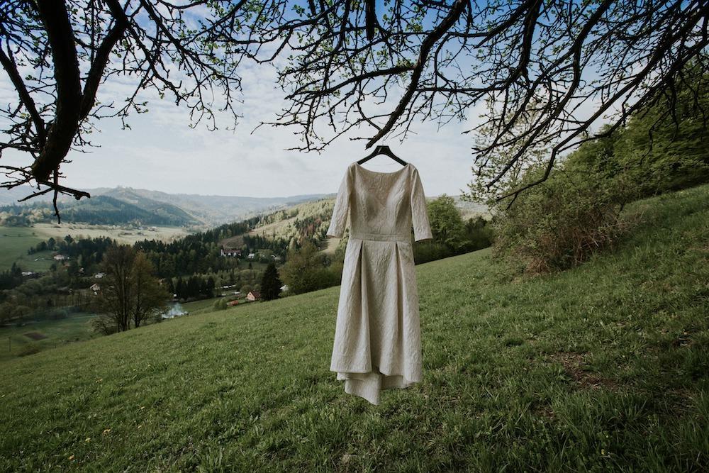 Svatební šaty nevěsty, trendy šaty 2020.