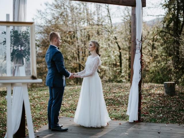 Podzimní svatba v Beskydech - svatební slib nevěsty a ženicha