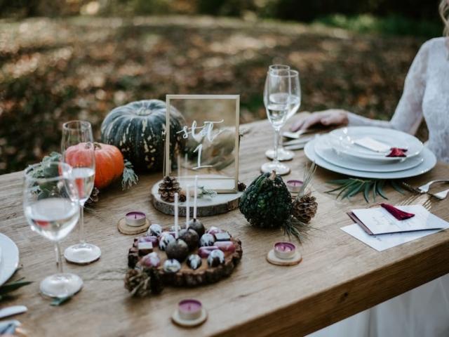 Prostírání svatebního stolu - podzimní
