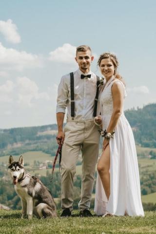 Přírodní svatba - nevěsta a ženich