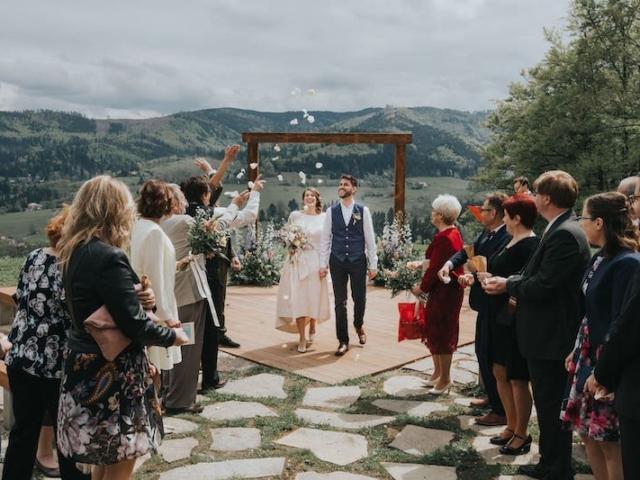 Ideálním místem pro boho svatbu je zcela jistě to, které je spojeno s přírodou - louka Resortu Nová Polana