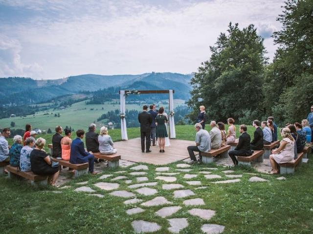 Svatební palouček Resortu Nová Polana je jako stovřený pro svatby v boho stylu