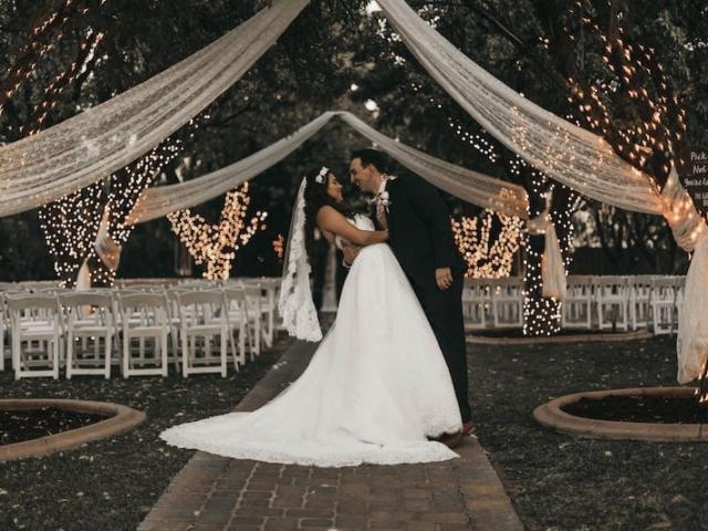 Krásným místem pro boho svatbu může být také prostředí parku