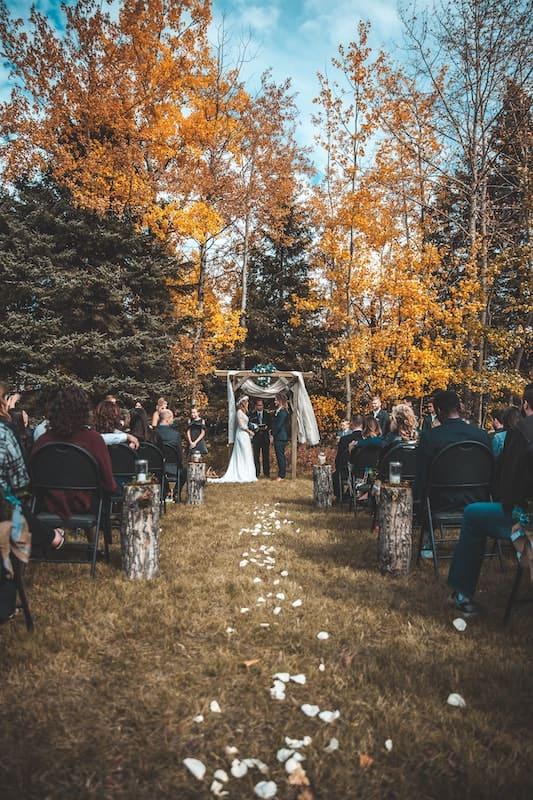 Boho svatby a krásná příroda k sobě neodlučitelně patří